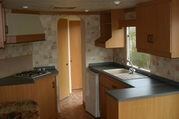 Wohnwagen mit Stellplatz auf Dauerplätz in Renesse-keuken.jpg