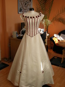 Verkaufe traumhaftes Brautkleid in creme/bordeaux-DSCN1037.JPG