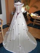 Verkaufe traumhaftes Brautkleid in creme/bordeaux-DSCN1042.JPG