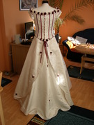 Verkaufe traumhaftes Brautkleid in creme/bordeaux