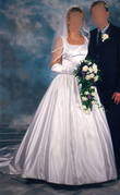 Kleid.1.jpg - Schlichte Eleganz in weiß, inkl. Zubehoer